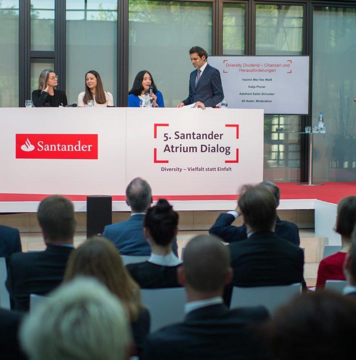 Santander Atrium Dialog / Mönchengladbach